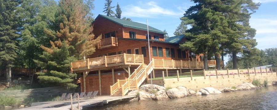 Lake home in Sioux Narrows, ON